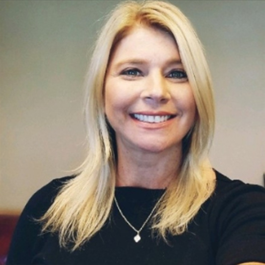 Portrait picture Dana Mantilia